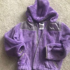 Kids North Face size 3T oso zip up